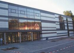 schule-goettingen-fassadentafel-natura-genietet-800m2-001