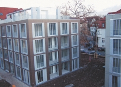 wohnhaeuser-ehrensteinstrasse-leipzig-fassadentafel-natura-genietet-1220m2-002